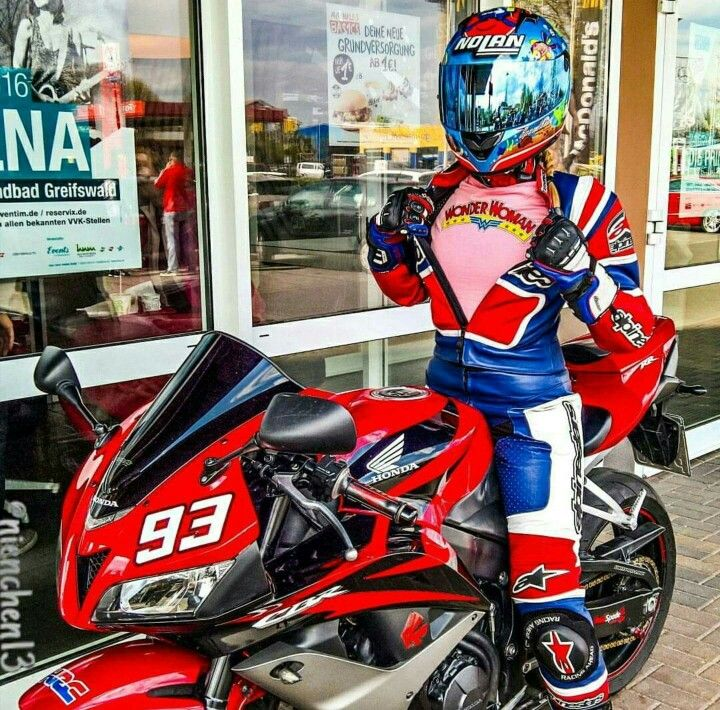 Wonder Woman In Full Effect  Motorcycle, Biker Girl, Hot -6901