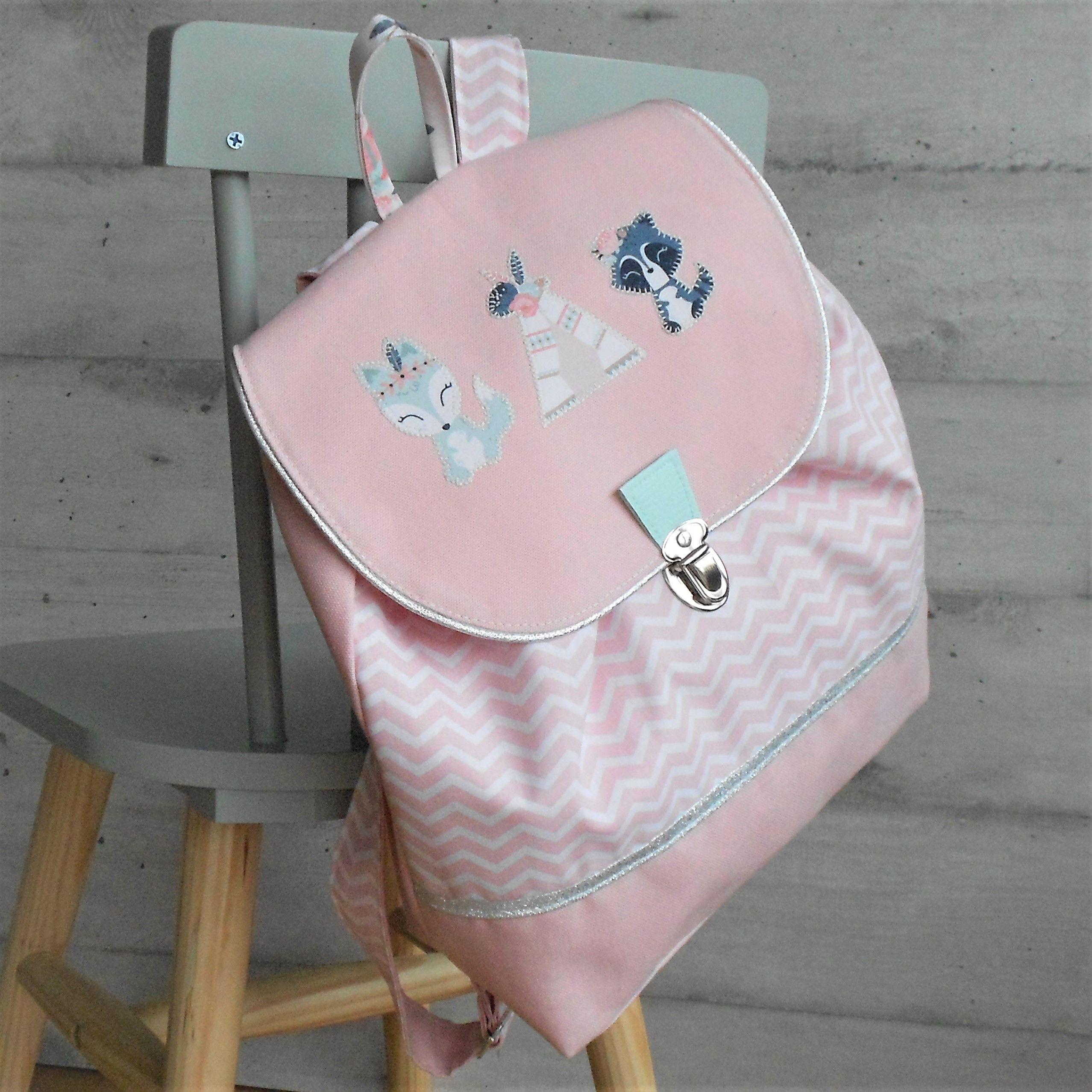 Sac A Dos Enfant Sac A Dos Maternelle Sac A Dos Personnalise Cartable Maternelle Ideal Pour L Entree En Maternelle Ou La C In 2020 Bags Backpacks Leather Backpack