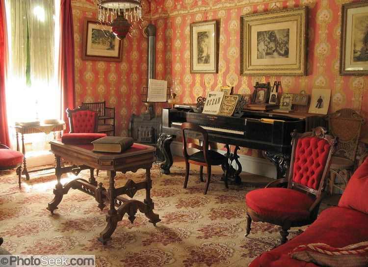 The Sedman House Was Built In 1873 This Victorian Era Living Room