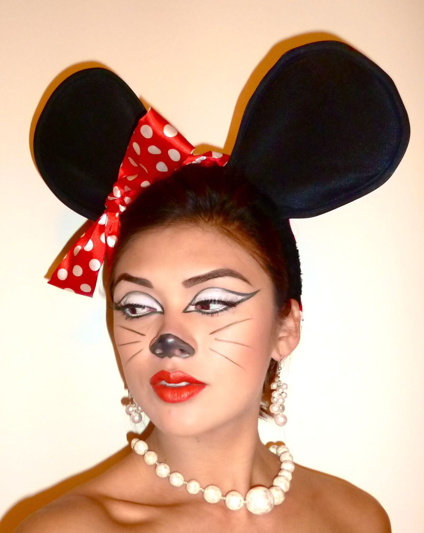 Minnie Mouse Makeup Tutorial For Halloween Halloween Makeup