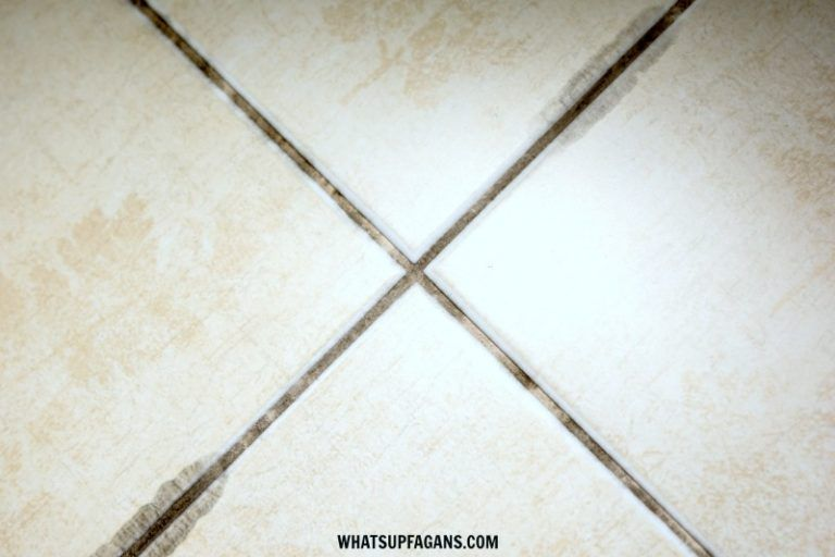 How To Clean Black Mold From Bathroom Sealant 101cleaningtips Net Clean Black Mold Bathroom Sealants House Cleaning Tips
