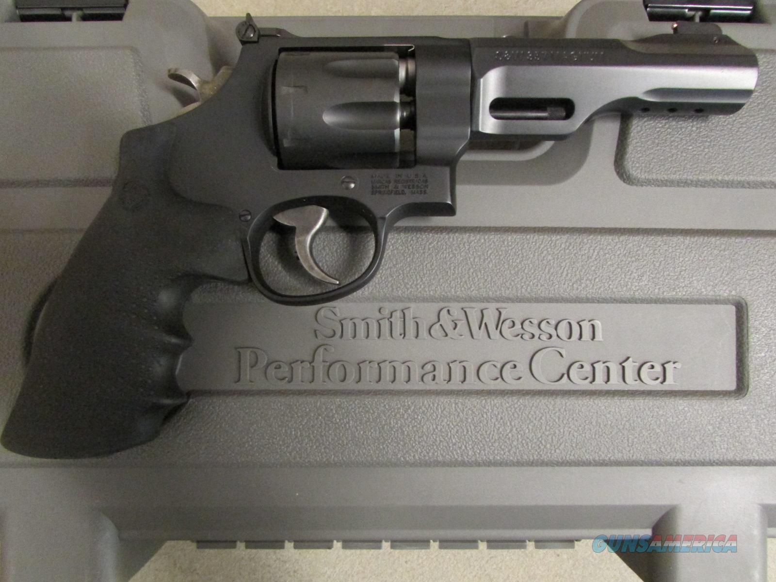 Smith & Wesson Performance Center 327 TRR8 8-Shot .357 Mag ...
