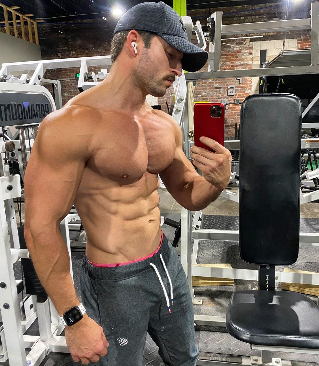 Ken Clarke On Instagram That Chest Pump Tho The Past Few Weeks I Ve Put A Lot Of Focus On Upper Chest And I M Thinking It S Paying Off