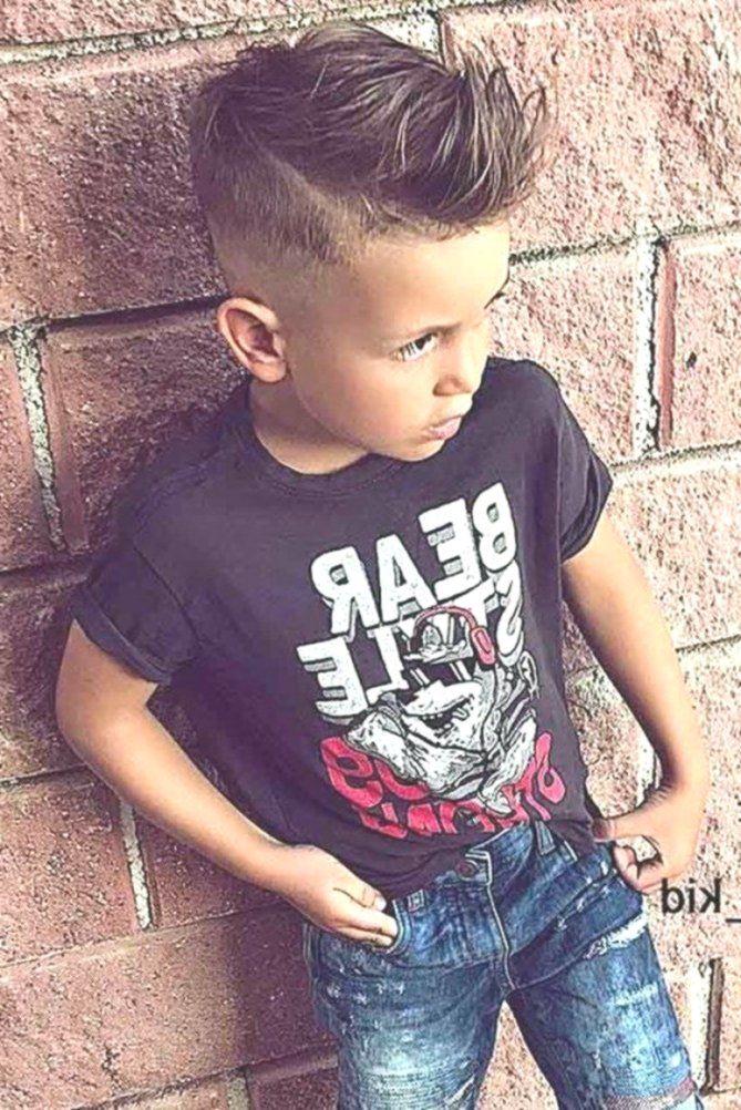 65 Coole Frisuren Zum Besten Von Zusammenfuhren Kleinen Kerl Trendige Jungs Frisuren Jungen Haarschnitt Coole Frisuren