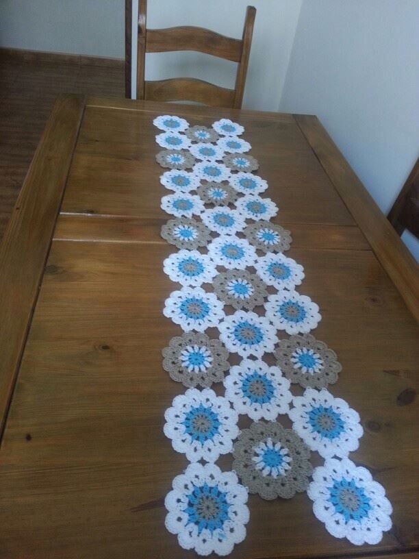camino de mesa flores proyectos crochet que debo intentar pinterest tischdecken h keln. Black Bedroom Furniture Sets. Home Design Ideas