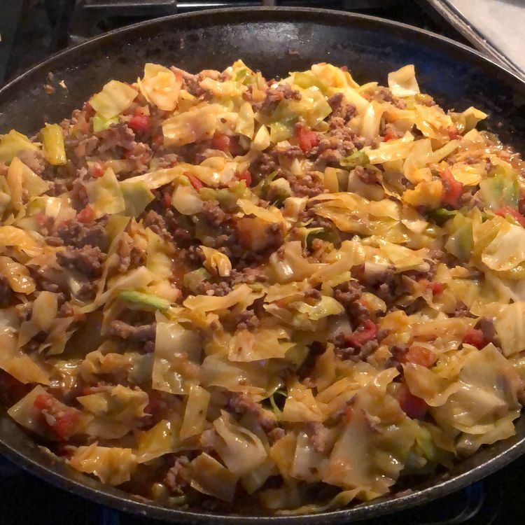 Cheesy Ground Beef And Cabbage Skillet Recipe In 2020 Ground Beef And Cabbage Ground Beef Clean Recipes