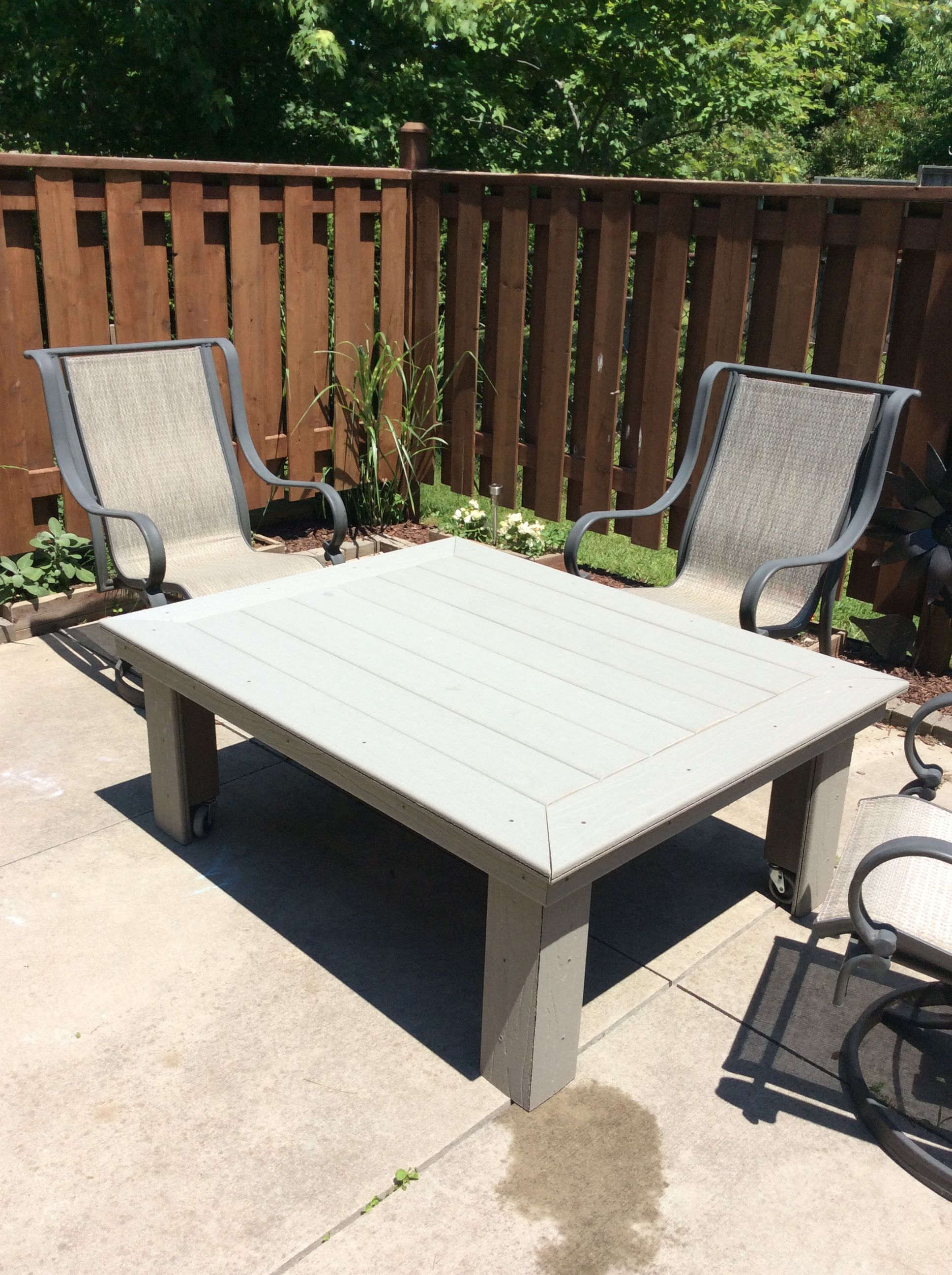 Outdoor Coffee Table Made Out Of Composite Decking Diy Patio