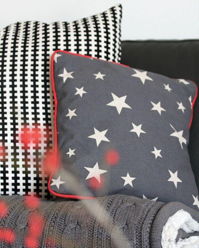 Stoff Und Stil : waseigenes sofakissen weihnachten stoff und stil 1 pinterest kissen kissen n hen ~ Orissabook.com Haus und Dekorationen