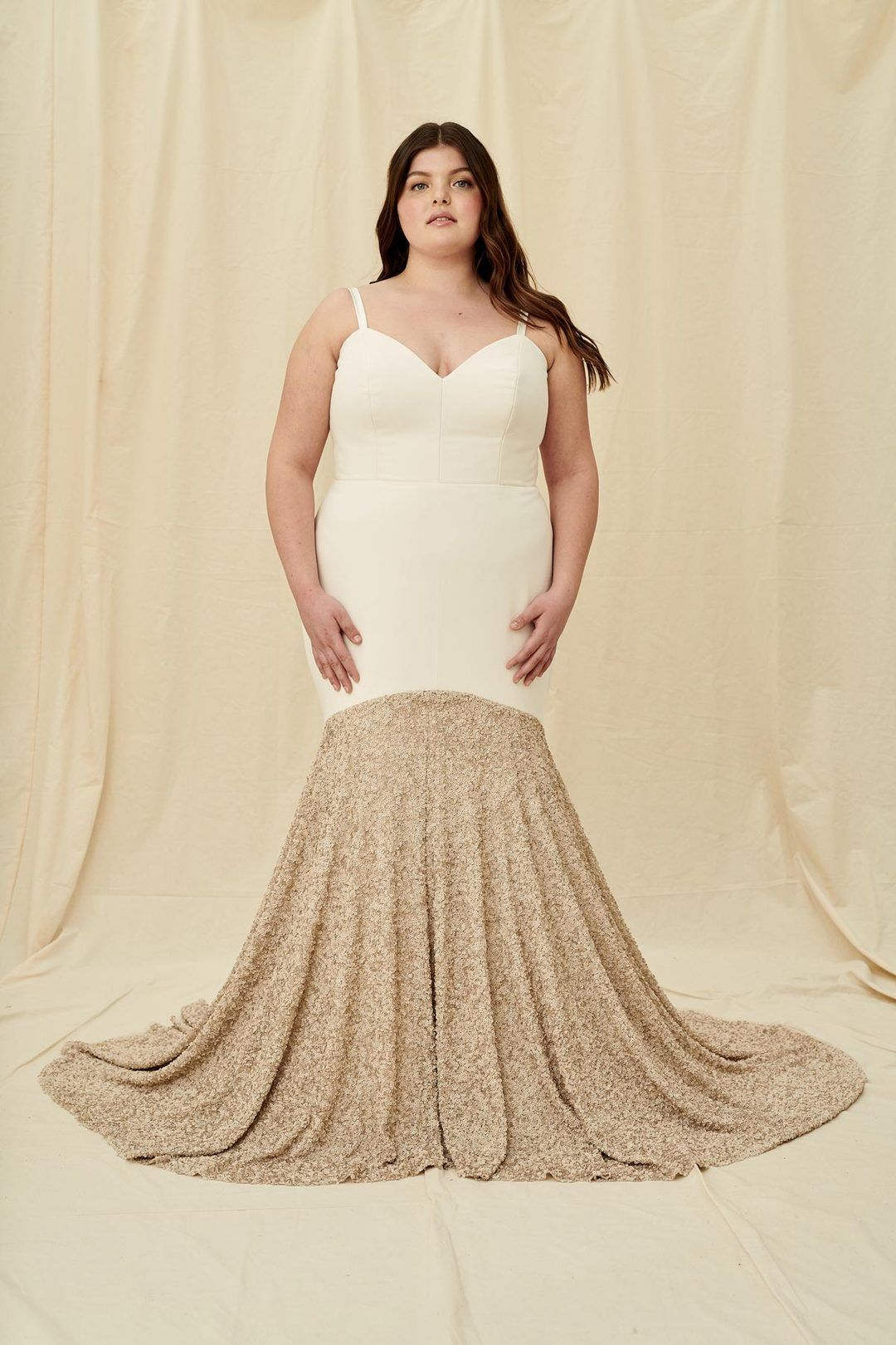 Halseene Paloma Curve A Modern Wedding Dress With Fit And Flare Or Mermaid Silhouette Wedding Dress Shopping Plus Size Wedding Gowns Modern Wedding Dress [ 1620 x 1080 Pixel ]