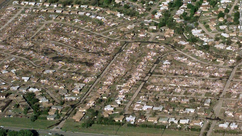 Oklahoma City Was Hammered By Ef5 Tornado In 1999 Tragedy Tornado Oklahoma