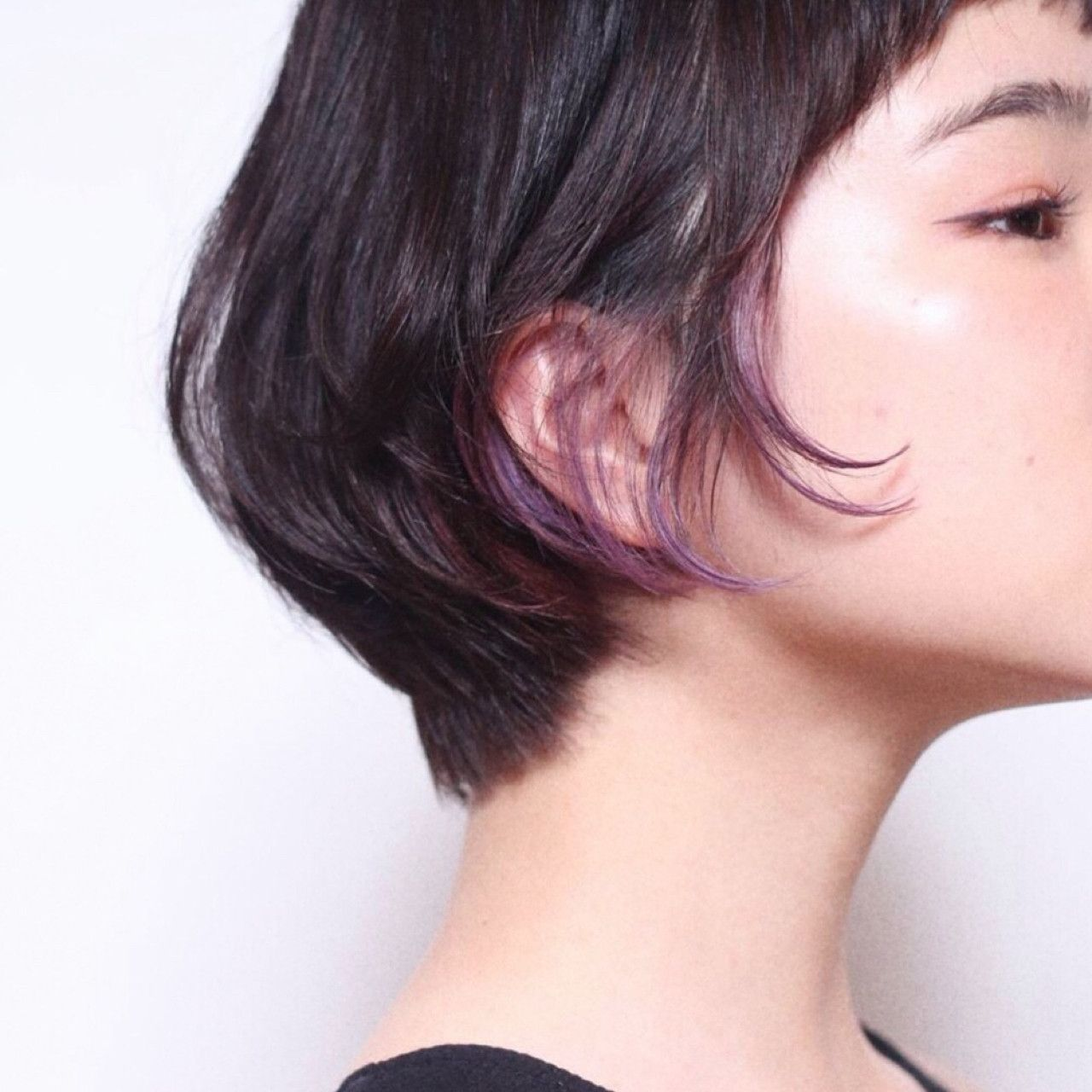 黒髪ショートにアクセントを おすすめインナーカラースタイル特集