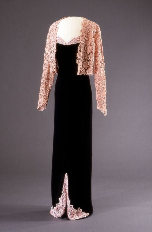 Etre belle 7347 by Worth, ca. 1937