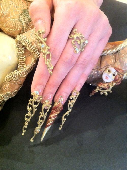 Pin en uñas