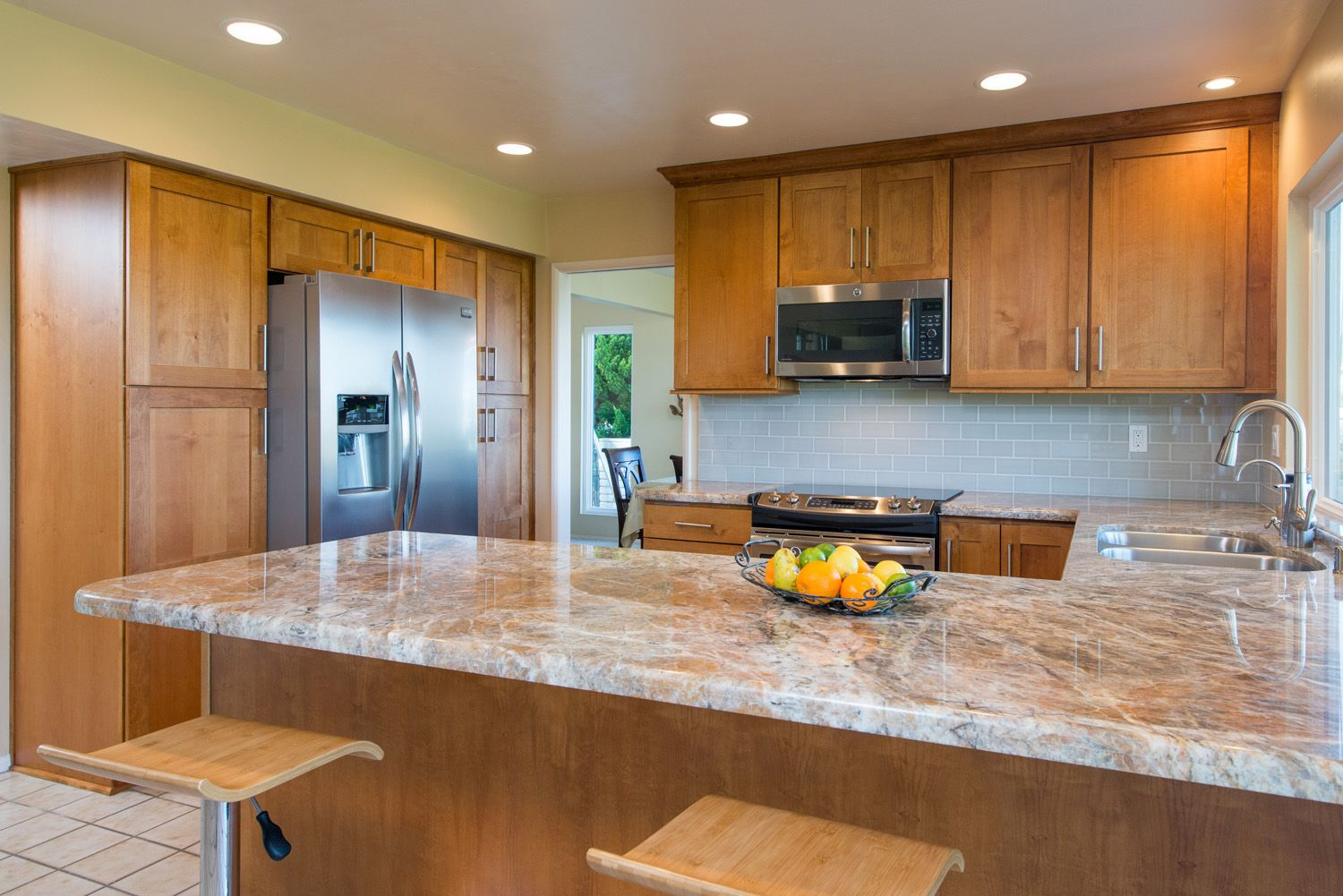 A Kitchen Remodel In Solona Beach California Resulted In The Iconic California Look Fresh And Simple Brown Kitchen Cabinets Brown Kitchens Kitchen Remodel