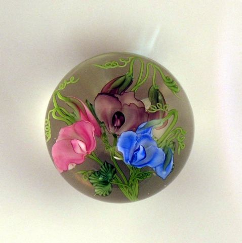 Salazar - Sweet Pea Bouquet Paperweight