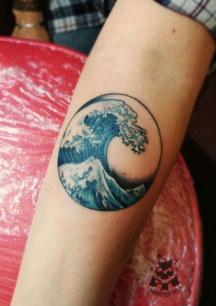 20 Powerful Wave Tattoos Tattoos Pinterest Tattoos Tattoo
