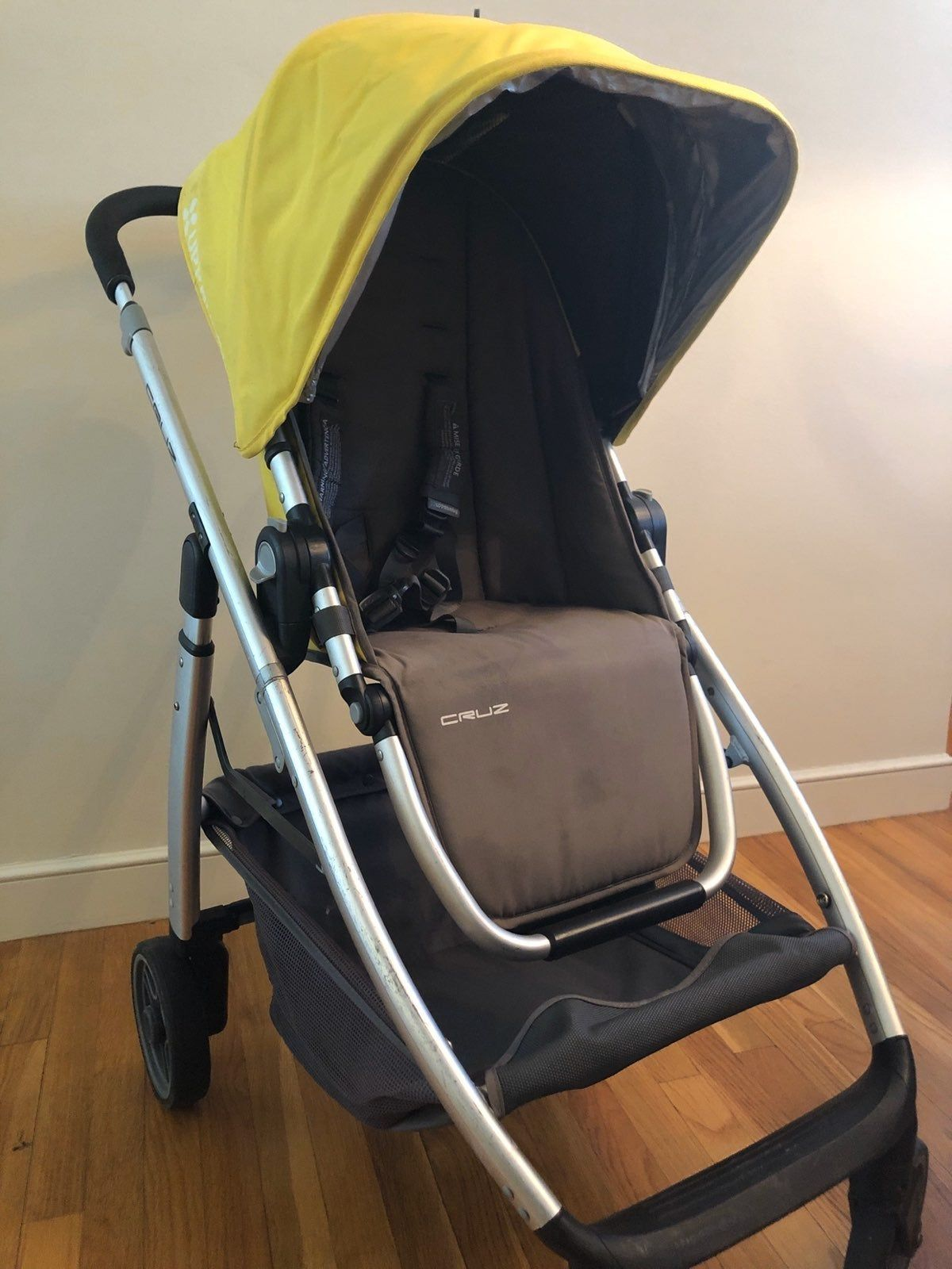 I have a 2015 UPPABABY CRUZ silver frame and yellow seat