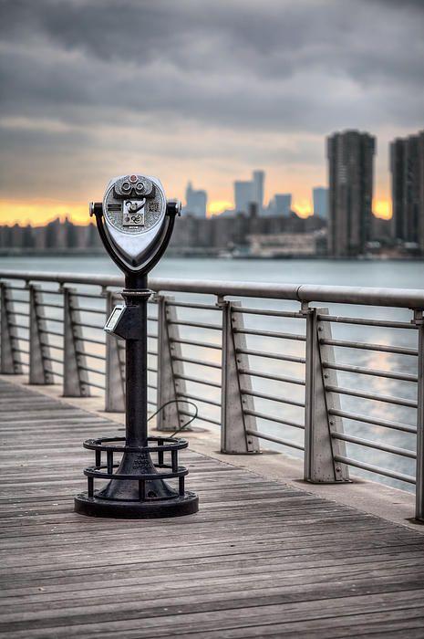 gantry plaza, gantry plaza state park, long island city, long island city new york, long island city ny, long island city nyc, long island city queens, boro of queens, queens ny, li city, east river, manhattan skyline, nyc skyline, new york city skyline, nyc parks, parks, new york, nyc, new york city, ny, water, boardwalk, boardwalks, telescope, pay telescopes, quarter, tourist, sunset, sunsets, sunrise, sunrises, a manhattan sunset.