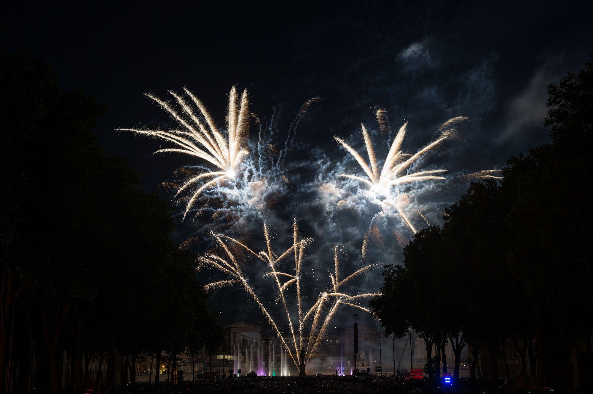 © Ville de Versailles / Pierrick Daul. Feu d'artifice du 13 Juillet 2015.