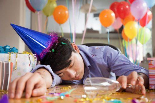 Convidar cerca de 300 pessoas para seu aniversário achando que pouca gente vai. | 14 vezes em que seu arrependimento foi tão grande quanto sua impulsividade