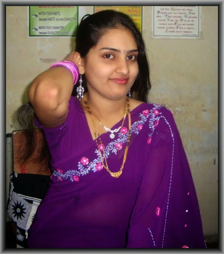 Indian Desi Local Girls And Housewife In Saree Hot Photos