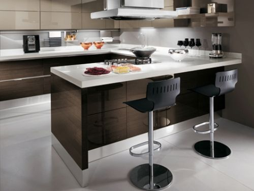 Charmant Small Apartment Kitchen With Bar Design
