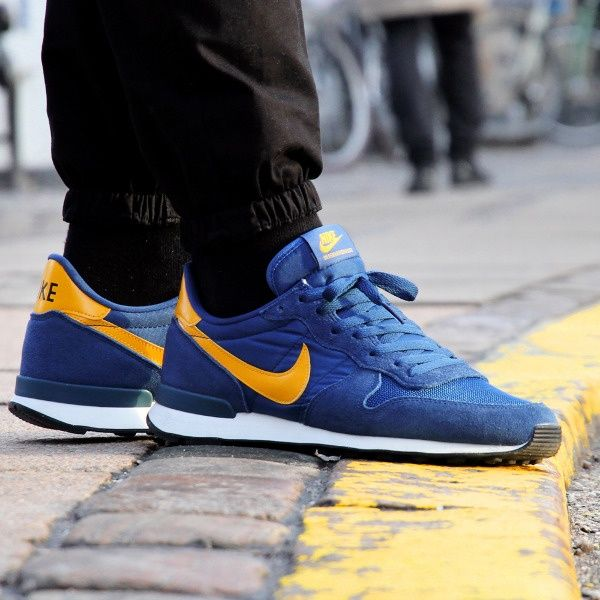 hot sale online 8f23f 1cd3a Nike internationalist Court Blue