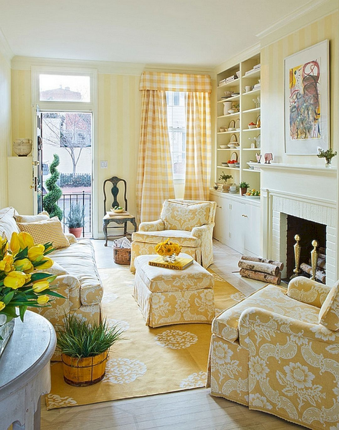 25 Yellow Traditional Living Room Design For Elegant Room Ideas