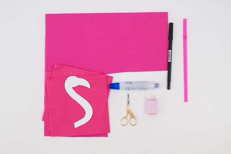 DIY Pompon Flamingos basteln – ideale Deko für die nächste Sommerparty