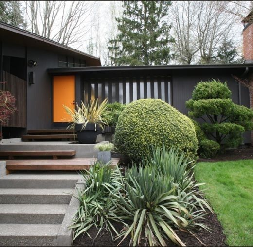 Modern Gray Exterior With Steel Beams: Ranch House Exterior Dark Brown
