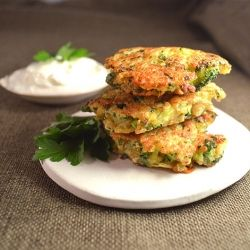 Broccoli Cheddar Jalapeno Quinoa Fritters ~ A healthier riff on jalapeno poppers. Those delicious flavors in light, crispy, moist fritters. No deep fryer needed!