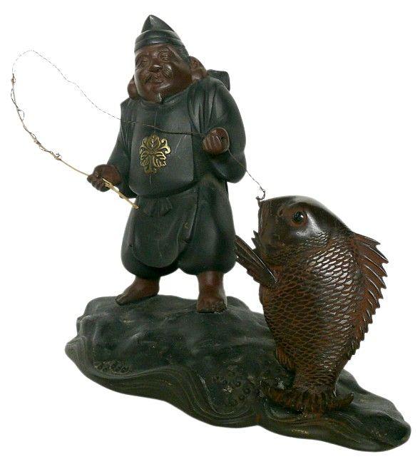 Бронзовая японская антикварная статуэтка одного из Семи Богов Счастья - Эбису с удочкой и рыбой, 1900-е гг.. Коллекция японских бронзовых и серебряных статуэток, ваз, фигур.
