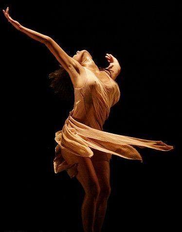 """"""" Si bailas con tu corazón... tu cuerpo lo seguirá..."""""""