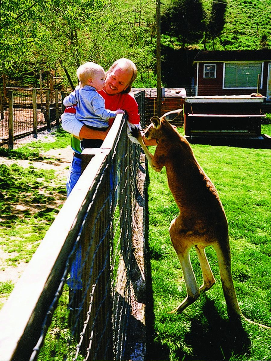 Smoky Mountain Deer Farm Coupon Deer farm, Seiverville