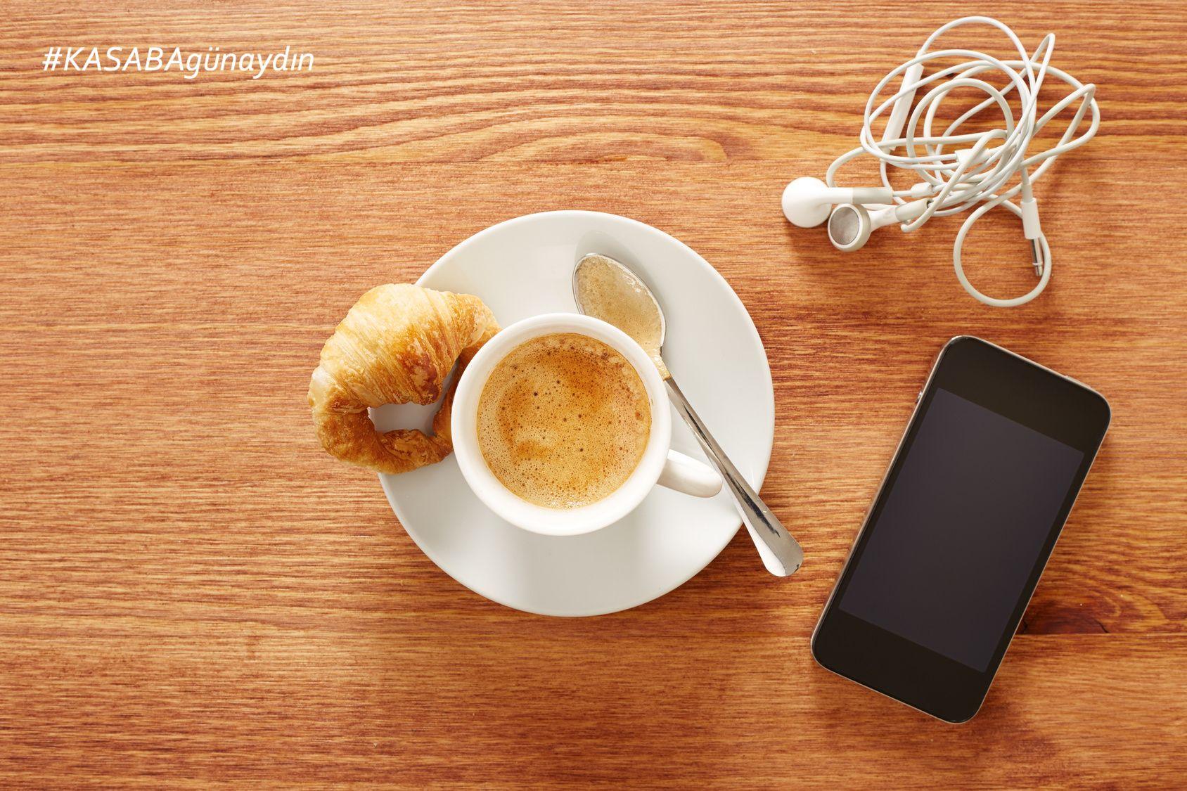 Sabah kahvesini ☕️ yudumlarken de telefonunu  yanından ayırmayan Kasaba erkekleri❗️ Bugünkü günaydın sizlere gelsin   #KASABAgünaydın #KASABAgunaydin #goodmorning #morning #buongiorno #iyigunler #iyigünler #haveaniceday #haveagoodday #aniceone #haveaniceone #wakeup #uyan #happy #mutlu #bugun #bugün #today #morning #sabah