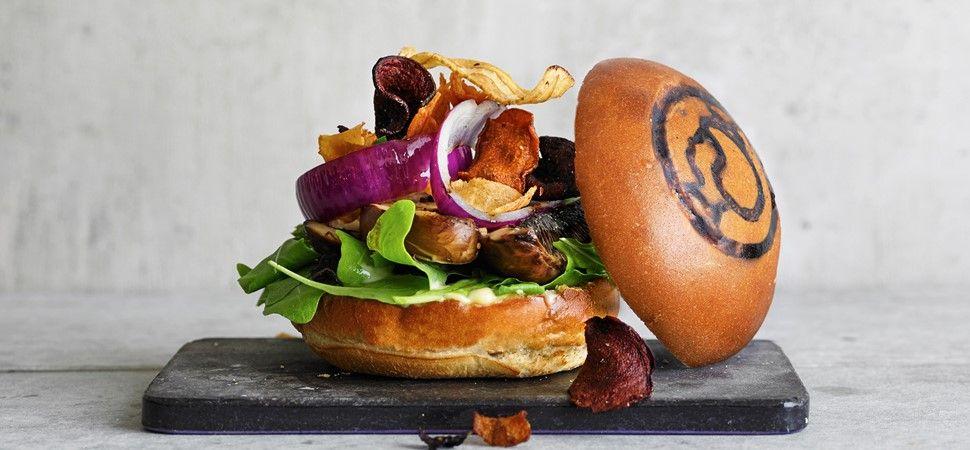 Irma.dk - Vegetarisk burger med rodfrugtchips