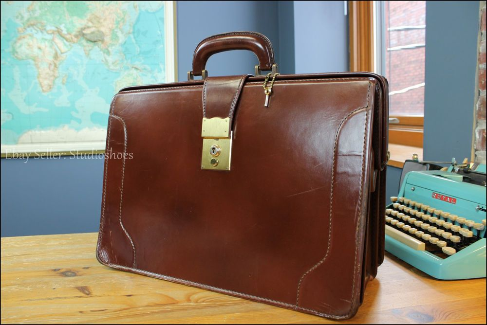 3f19c32c56b5 Vintage Brooks Brothers England Leather Lawyer Doctor Briefcase Attache  Mens Bag £273.84 (BIN)