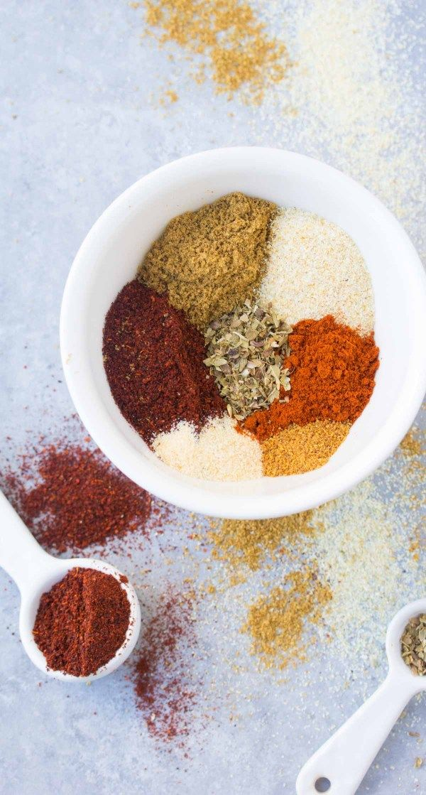 This EASY Homemade Taco Seasoning recipe is healthier and more flavorful than the store-bought packets! Use it in tacos, burritos, soups and more! | www.kristineskitchenblog.com #tacoseasoningpacket