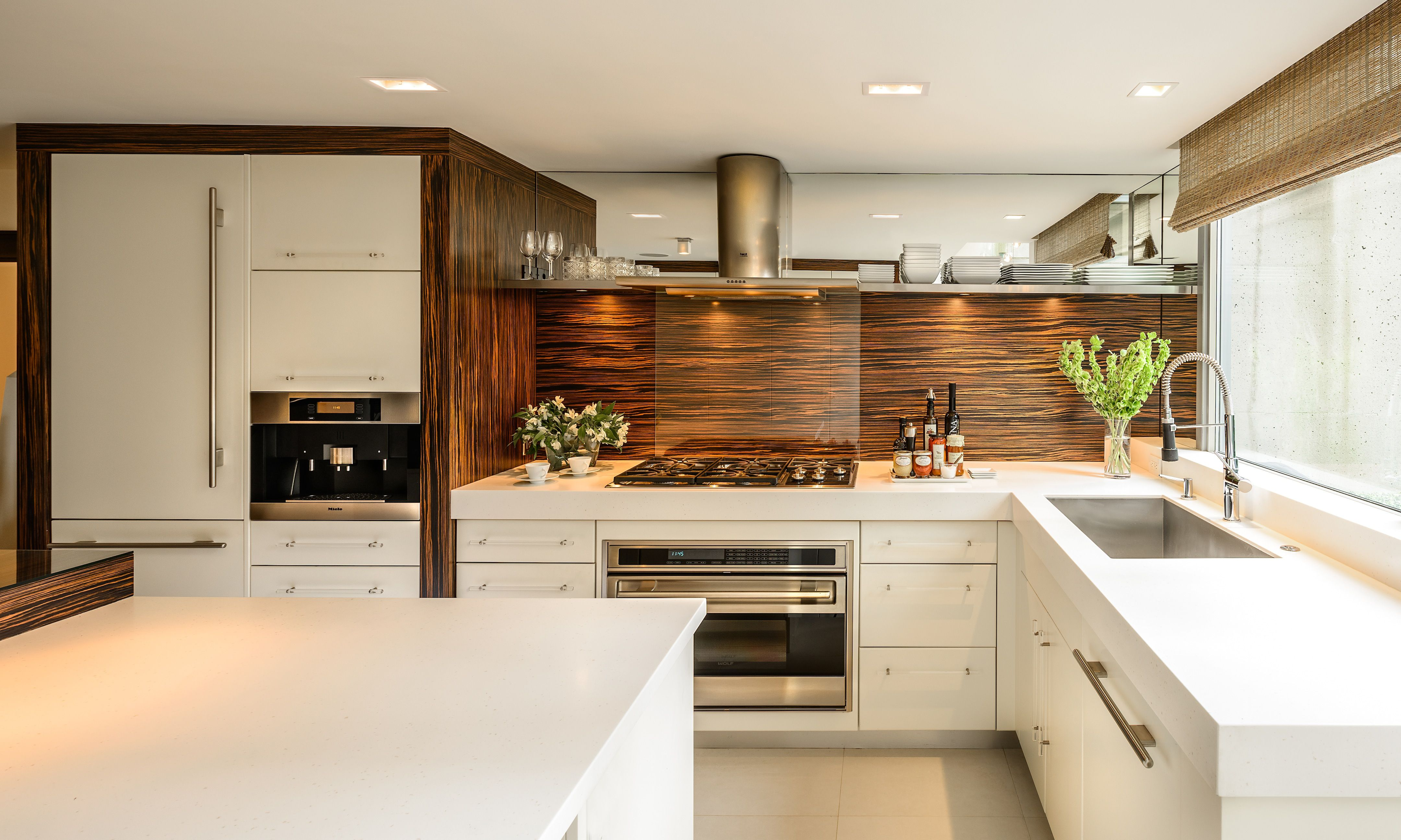 30 Before And After Kitchen Cabinet Refacing Ideas Before And After Diy Cabinet Refacing Kitchen Ideas On A Budget Modern Laminate Contemporary Kitchen Design Kitchen Design Contemporary Kitchen