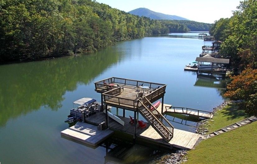 Huddleston Vacation Rental Vrbo 80592 3 Br Smith Mountain Lake House In Va Log Cabin Retreat Hot Tub Wi Fi Fireplace Va Vacation Vacation Rental Vacation This frank lloyd wright home, otherwise known as still bend, was designed in 1938 and sits on a marsh on the edge of lake michigan. pinterest