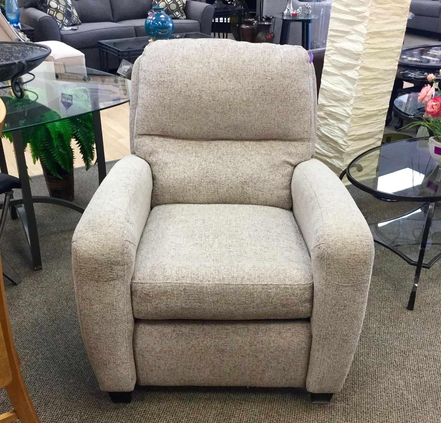 Find Name Brand Furniture For A Fraction Of The Price At New Uses Lane Recliner In Great Condition And Nice Neutral Color 65