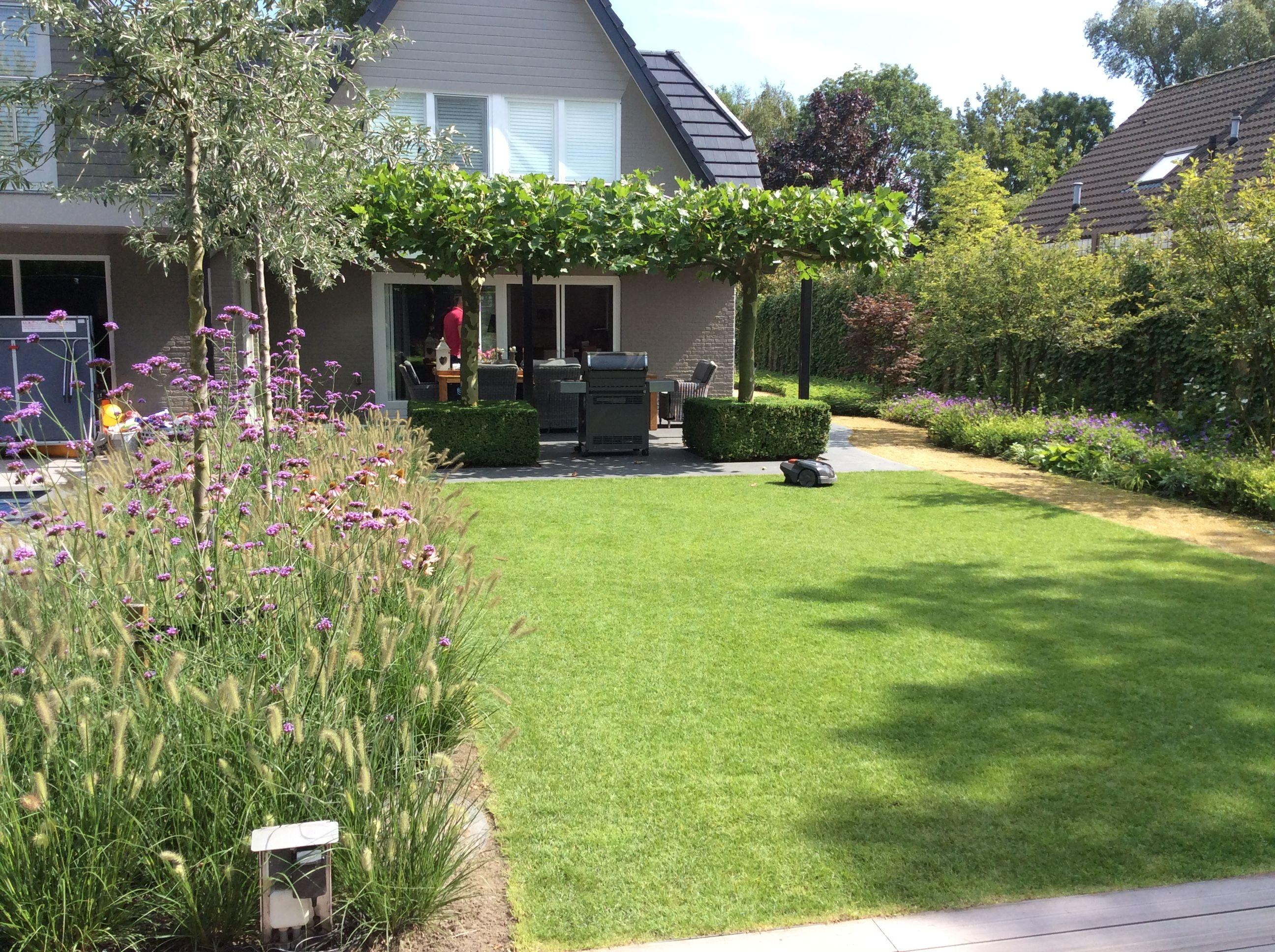 Pin by gerald helsen on helsen tuinen pinterest gardens - Eigentijdse landscaping ...