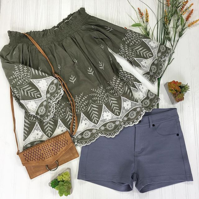 We are looking forward to a warmer weekend here in IndianaShop link in bio. •Green Haus Blouse •Tide's High Shorts in Blue •Taurus Crossbody in Camel #olive #trendy #ontrend #offtheshoulder #embroidery #shopkeyboutique #onlineboutique #ootd #shoponl