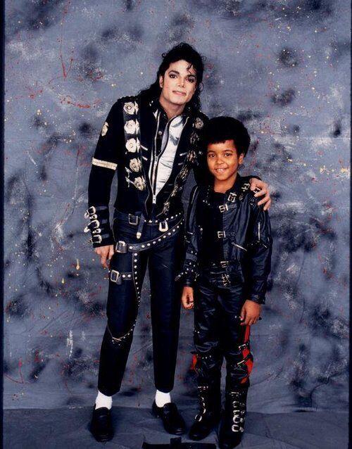 Michael Jackson And Brandon Adams Backstage Of The Bad Tour