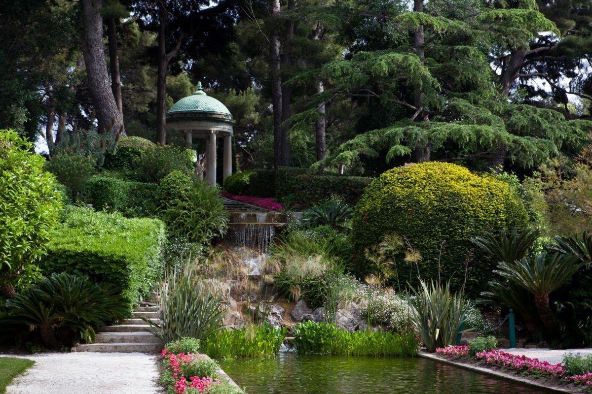 Les jardins   Villa et Jardins Ephrussi de Rothschild : Palais de la ...