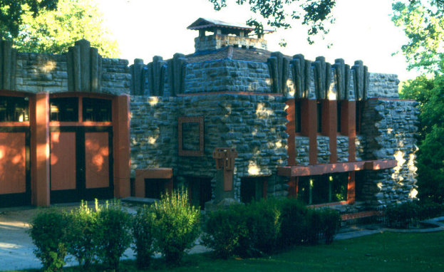 Melson House by Walter Griffin