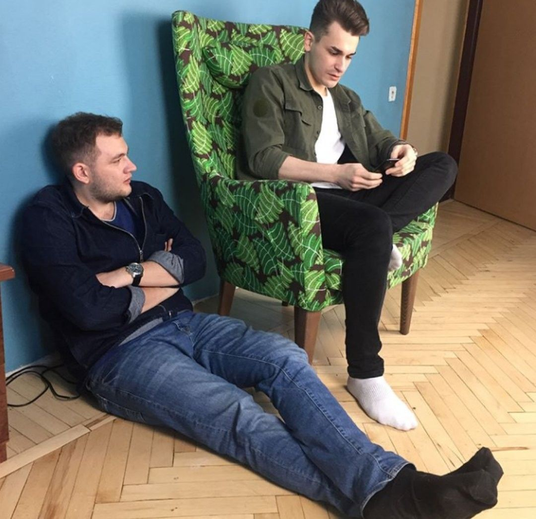 Men Sock Men In Socks Mens Socks Men Socks Suit [ 1045 x 1080 Pixel ]