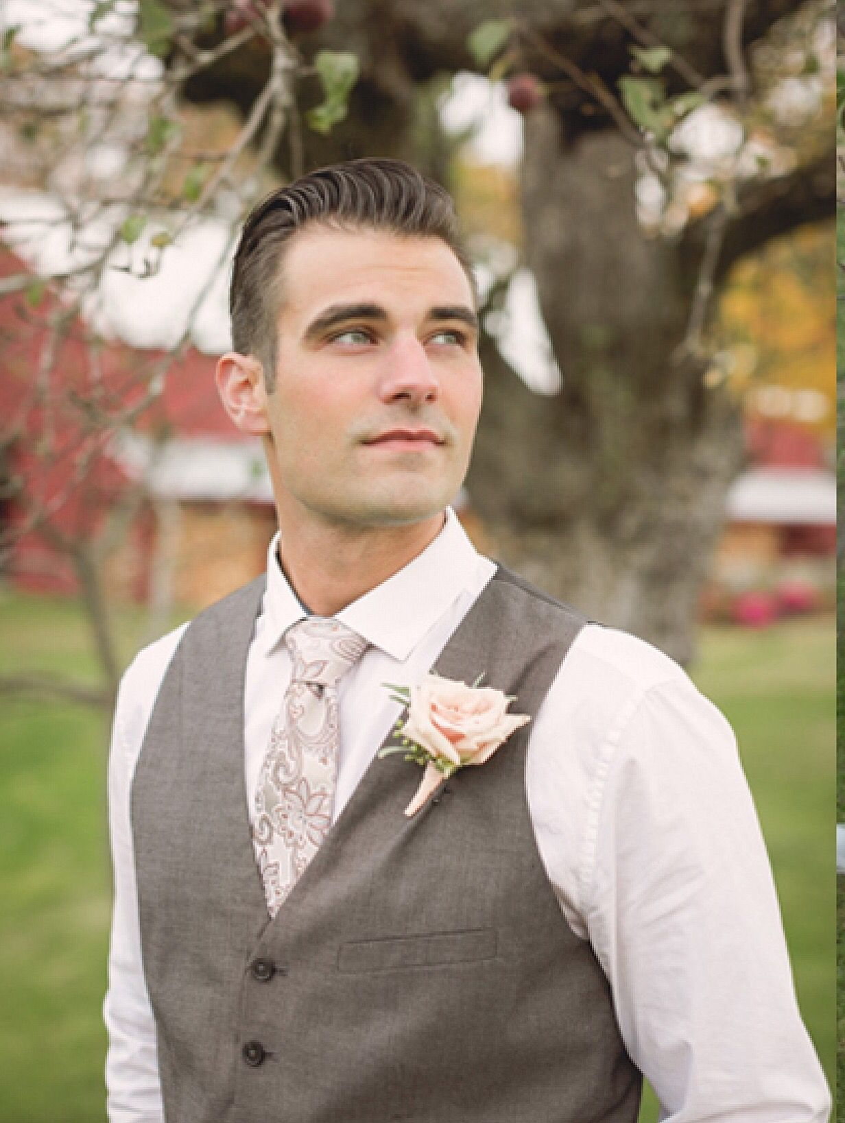 #modeling #malemodel #maine #mainemodeling #portlandmodelsandtalent #weddingshoot #wedding #mainemag #mainemagazine #featured  http://themainemag.com/weddings/wedding-features.html