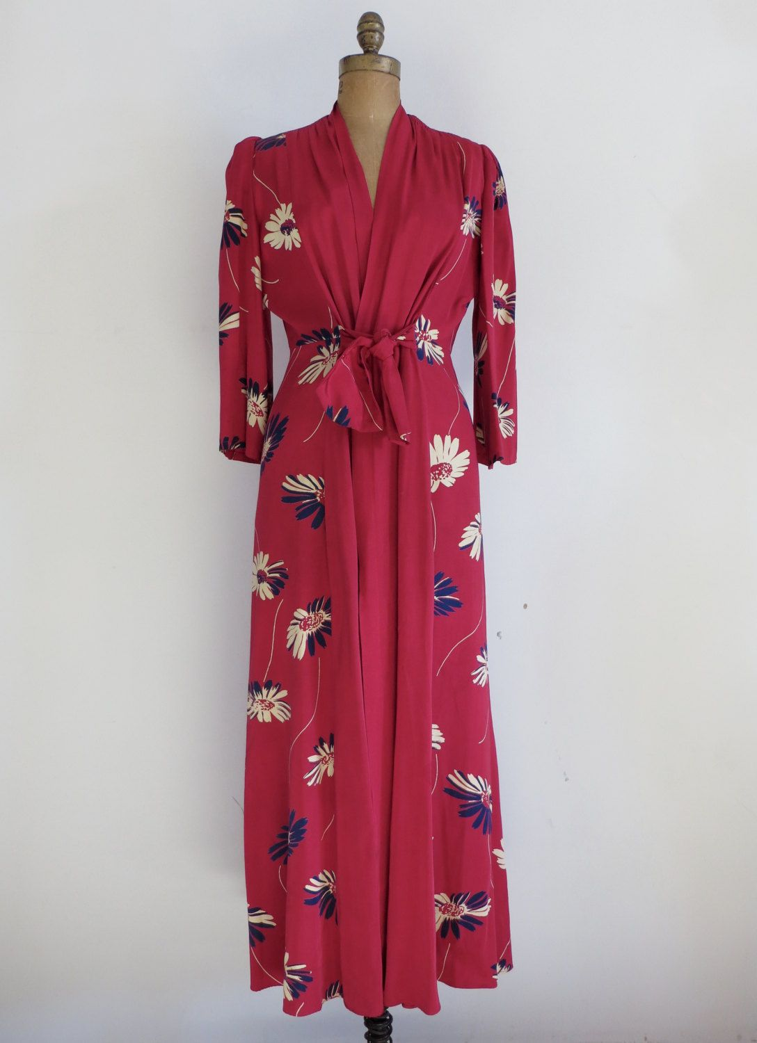 Vintage 1940 S Robe 40 S Floral Dressing Gown 40 S Nightgown Hollywood 1940 S Dressing Gown 40 S Hollywood Robe Floral Gown Dress 1940s Outfits Vintage Fashion