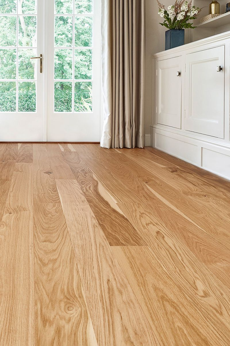 With A 3mm Real Oak Top And A Beautiful Traditional Look Home